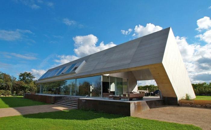 architektenhäuser-modernes-haus-mit-satteldach