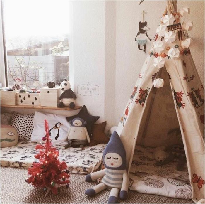 artistische-Kinderzimmer-Gestaltung-Zelt-Tipi-Platz-für-Schlafen