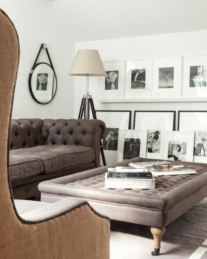 artistisches-Interieur-Atelier-schwarz-weiße-Fotos-Leselampe-mit-originellem-Design