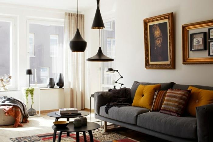 artistisches-Wohnzimmer-Interieur-Wandbild-schwarze-Leselampe-hängende-Leuchten-mit-schönem-Design