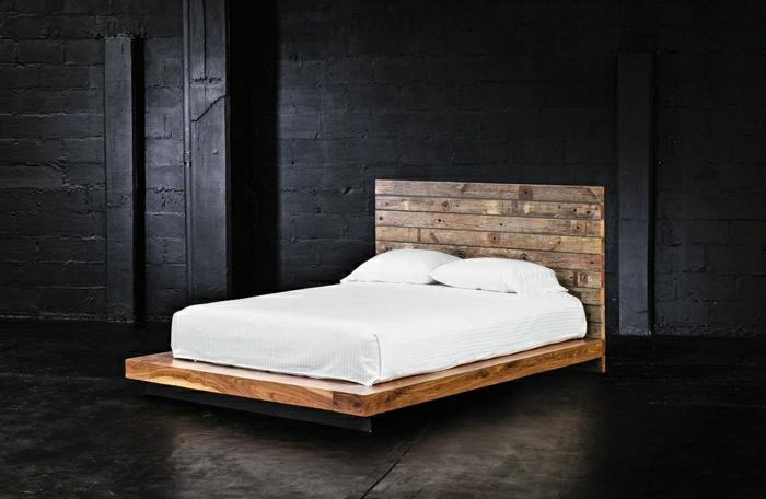 Europaletten-Bett-selber-machen-weiße-Bettwäsche
