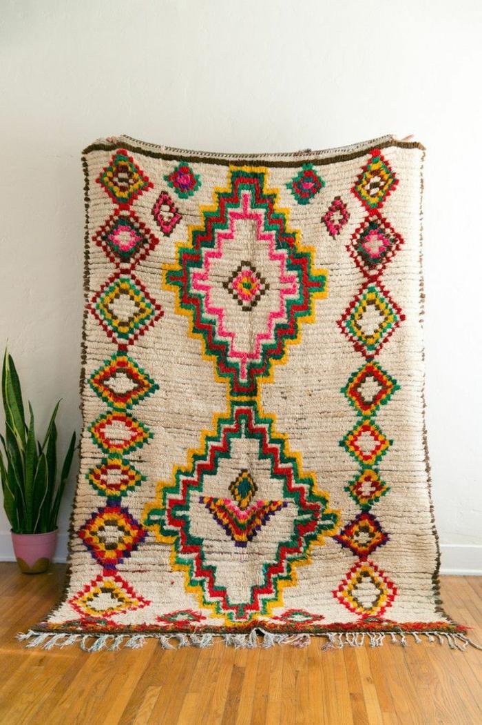 bunter-vintage-Teppich-orientalisch-exotisches-Muster