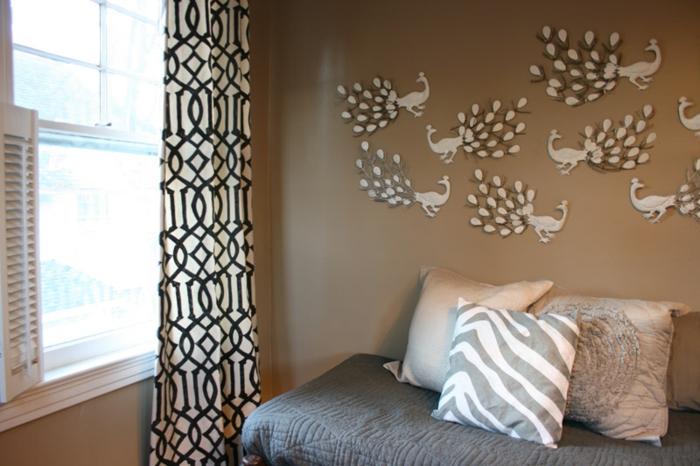 cappuccino-wandfarbe-gemütliches-ambiente-im-schlafzimmer
