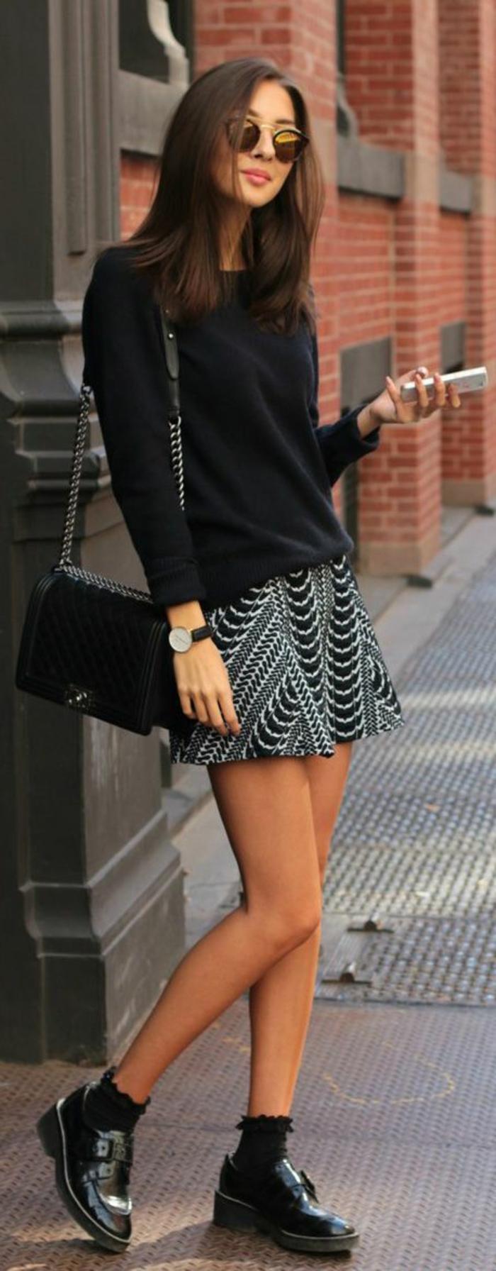 coole-Idee-kurzer-gestrickter-Pullover-kurzer-Rock-graphisches-Muster