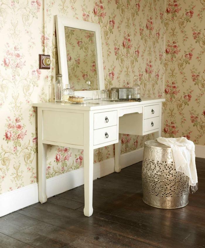 coole-vintage-Tapeten-Blumen-Dekoration-Hocker-aus-Metall-mit-effektvollem-Design-Toilettentisch