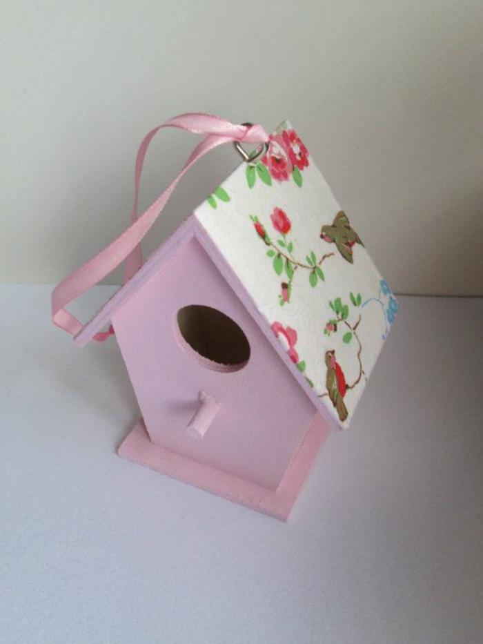 dekoratives-rosa-vogelhaus-Band-kokette-Idee
