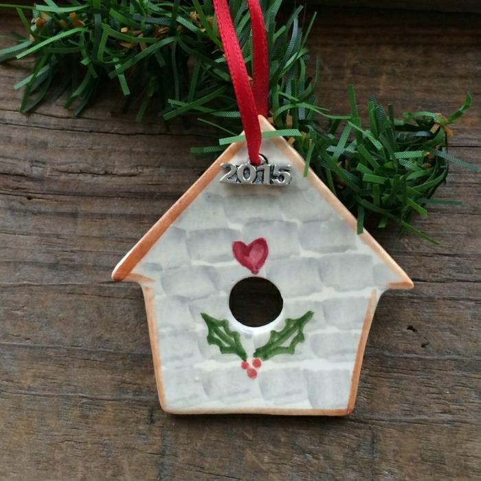 dekoratives-vogelhäuschen-Keramik-schöne-Weihnachtsdekoration