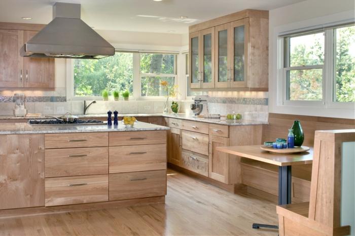 Die Sitzecke in der Küche kann sehr gemütlich mit einer Eckbank in ...
