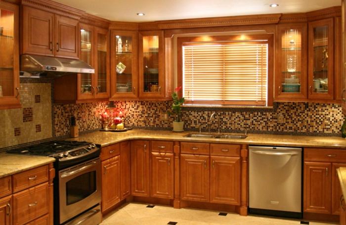 ein-zimmer-wohnung-einrichten-hölzerne-möbel-in-der-küche