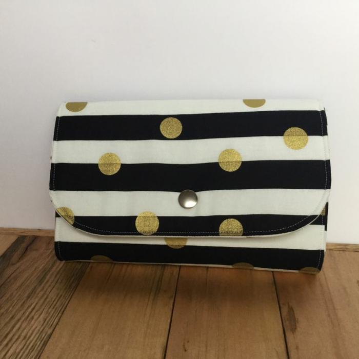 elegantes-Modell-Geldbörse-Frauen-schwarz-weiße-Streifen-goldene-Punkte