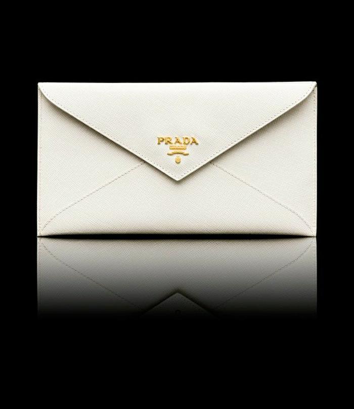 elegantes-Prada-Modell-Geldbörse-Frauen-weiß