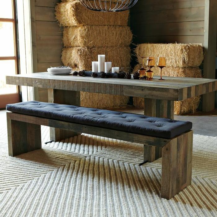 essecke-küche-sehr-großer-sitzbank-aus-massivholz