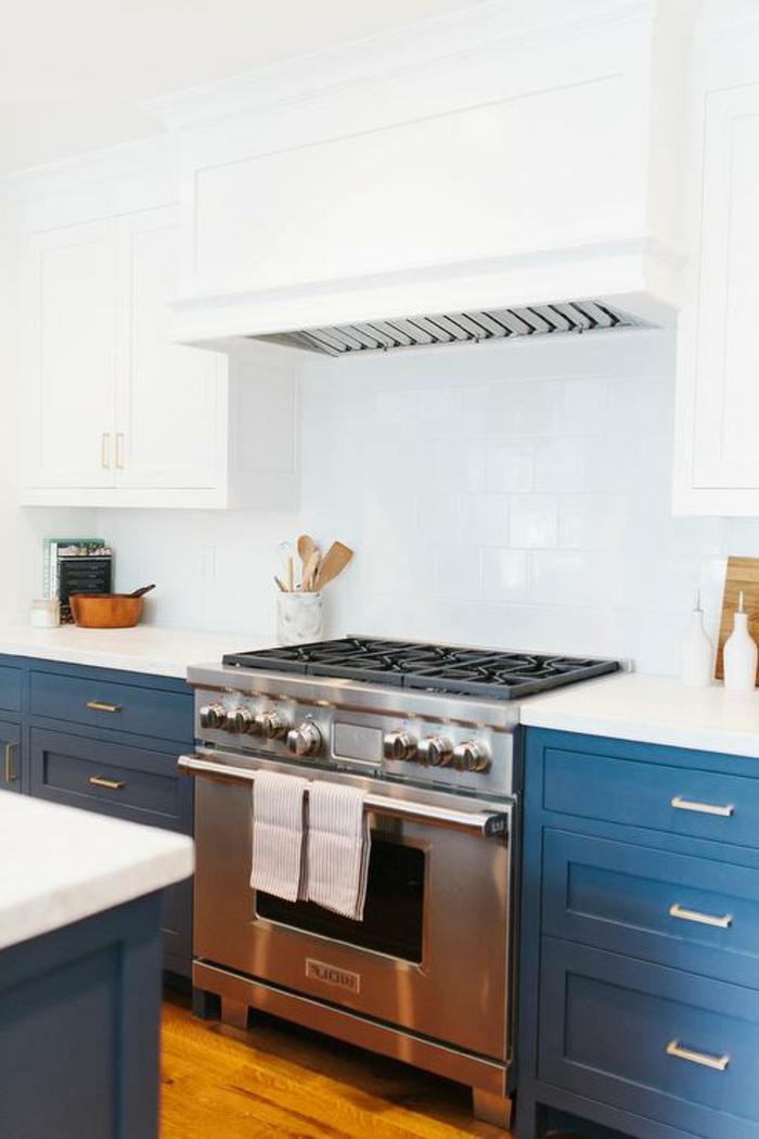 farbgestaltung-in-der-küche-taubenblau