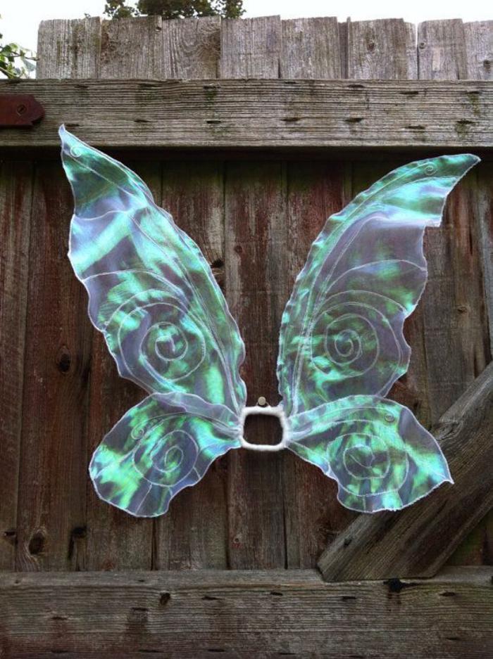 feenkostüm-blaue-effektvolle-dekorative-Flügel