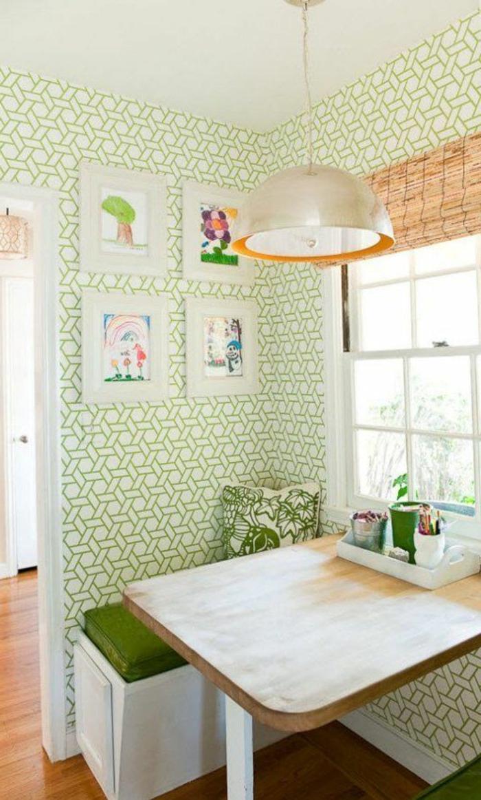 gemütliche-Küche-moderne-geometrische-Tapeten-grüne-Ornamente