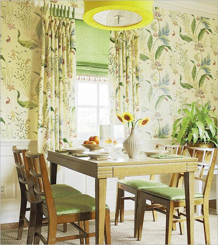gemütliches-Esszimmer-Leuchte-mit-interessantem-Design-Sonnenblumen-retro-tapeten