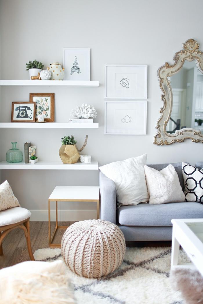 gemütliches-Wohnzimmer-Interieur-skandinavischer-Stil-flaumiger-Teppich