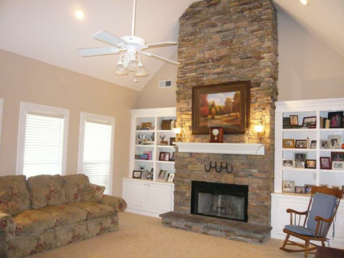 gemauerter kamin f r ein gem tliches zuhause. Black Bedroom Furniture Sets. Home Design Ideas