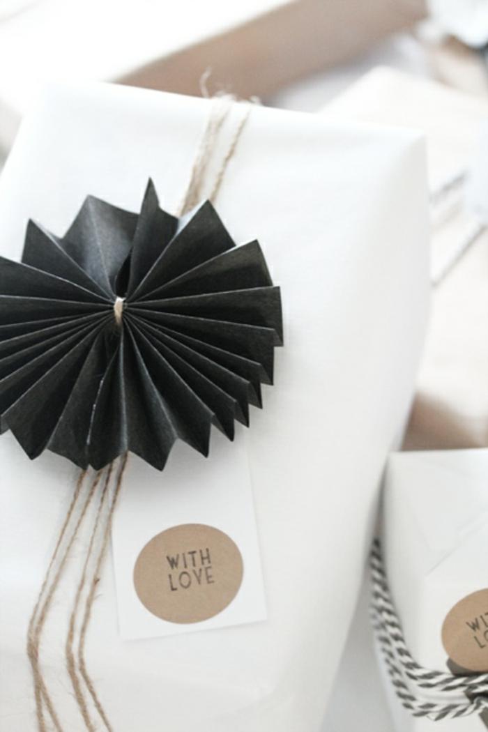 geschenke-schön-verpacken-Papier-Dekoration