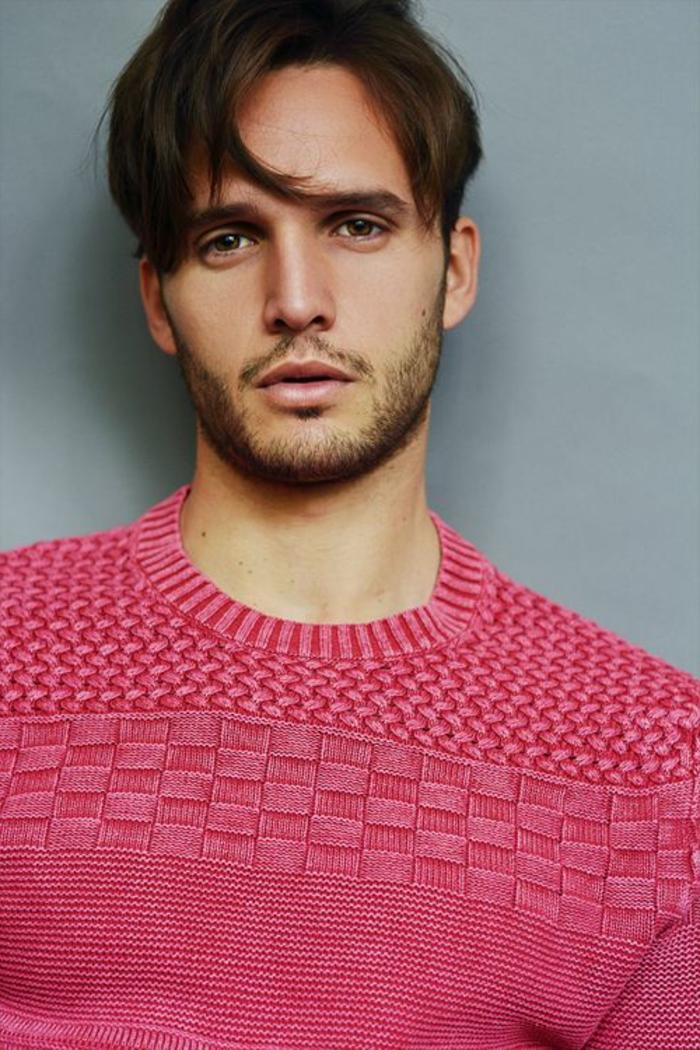 gestrickter-Pullover-Herren-rosa-Farbe