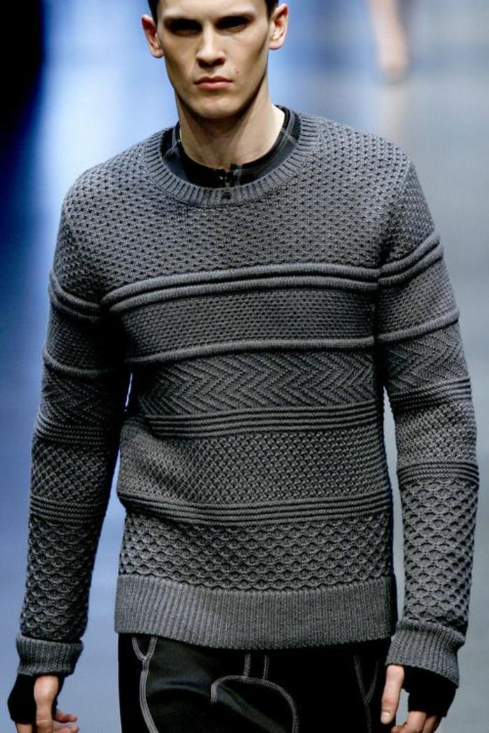 grauer-Herren-Pullover-interessantes-Modell