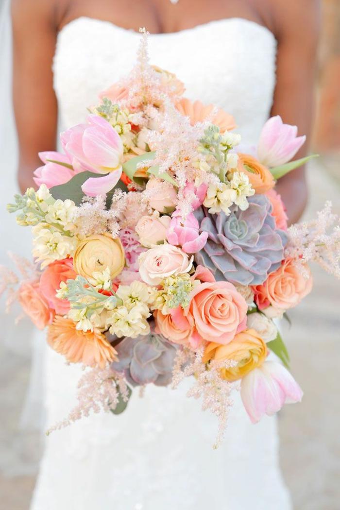 großer-brautstrauß-Pastellfarben-Rosen-Tulpen