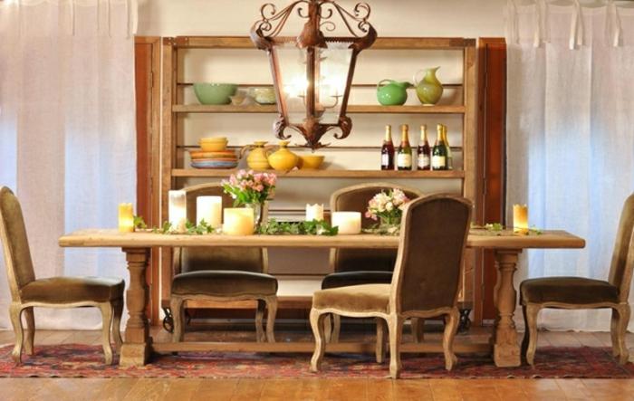 großer-küchentisch-aus-massivholz-viele-stühle