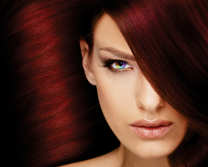 haarfarbe-rot-attraktives-professioneles-foto