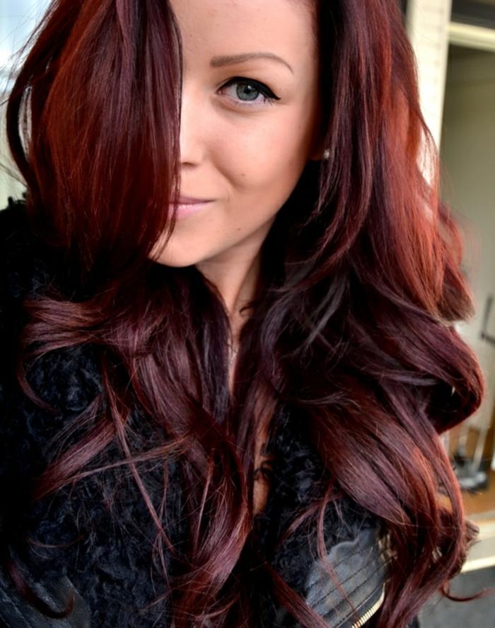 Schone dunkle haarfarbe