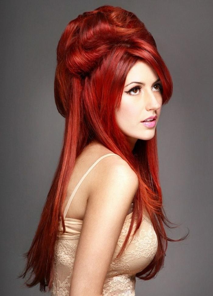 haarfarbe-rot-elegante-und-extravagante-frisur