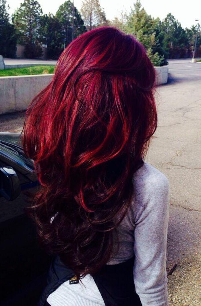 haarfarbe-rot-foto-von-hinten-gemacht-schöne-nuance