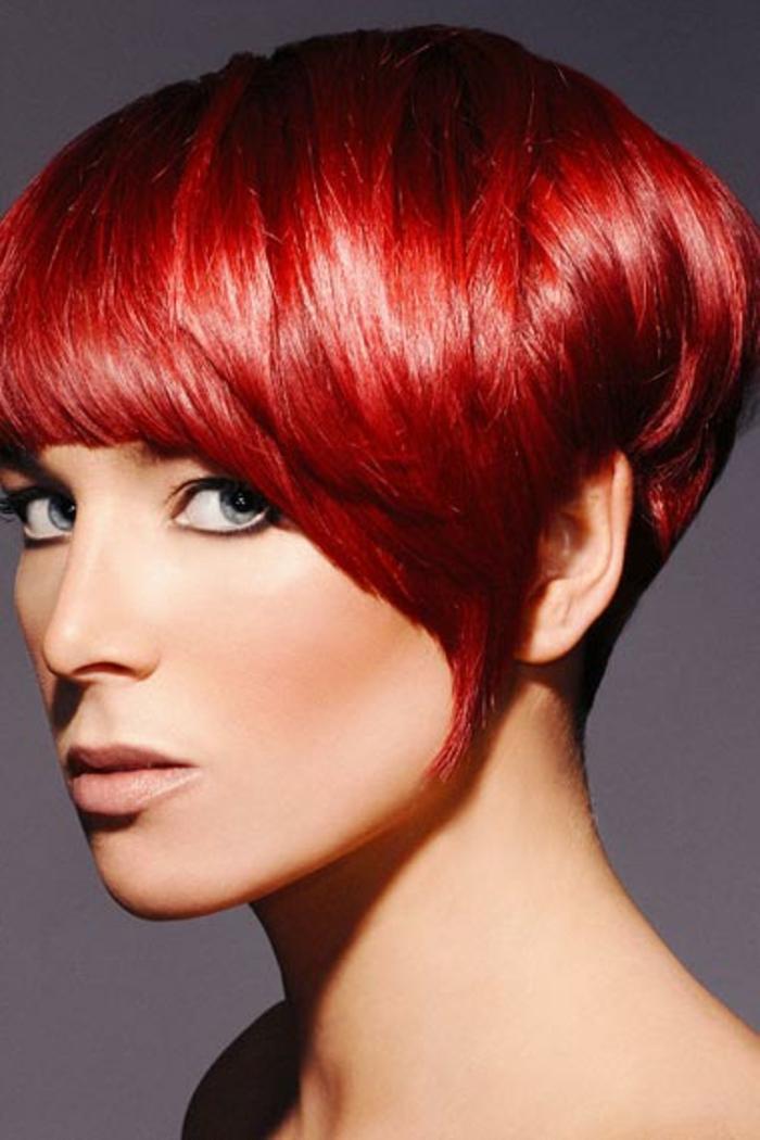 haarfarbe-rot-glänzende-haare-super-kurz