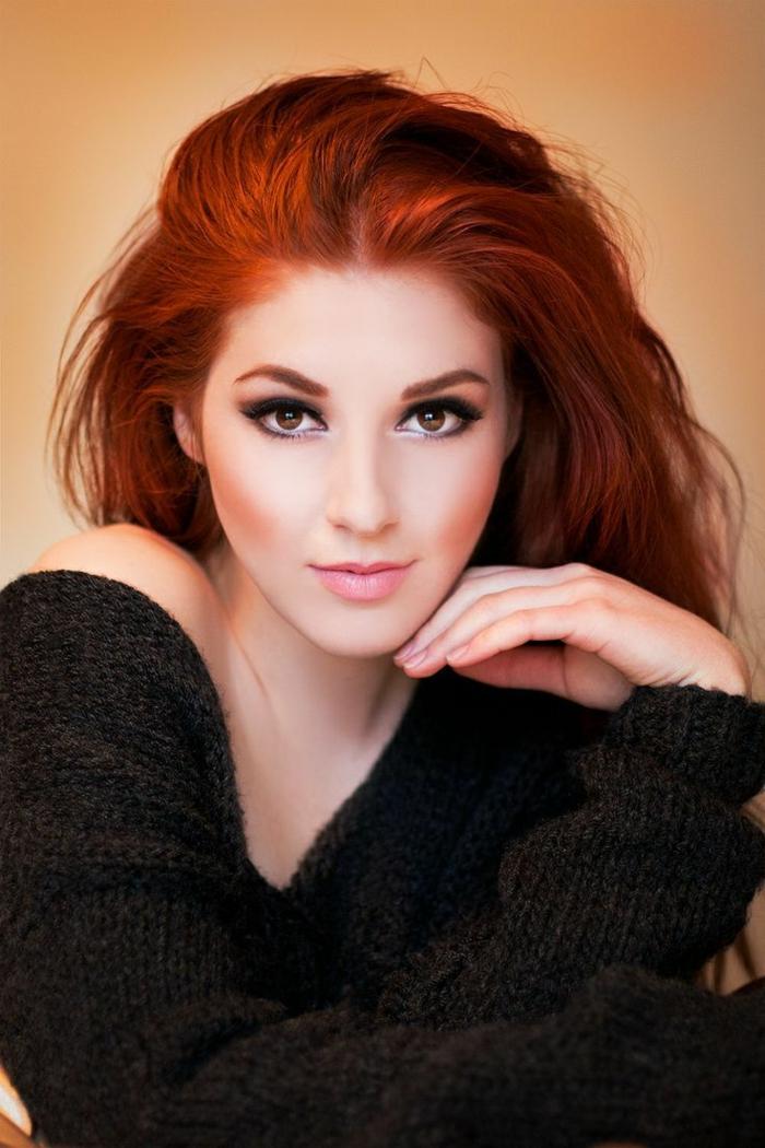 haarfarbe-rot-hübsche-junge-frau