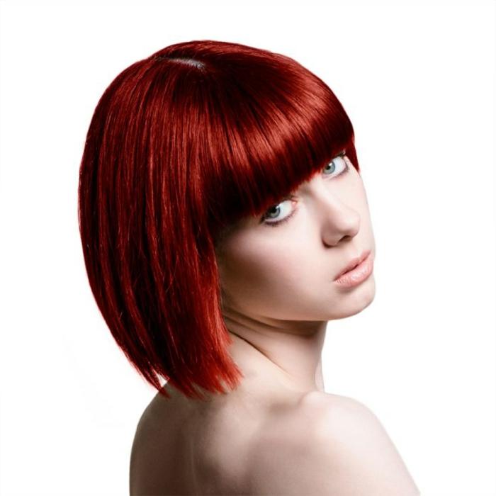 haarfarbe-rot-sehr-kurze-schicke-frisur