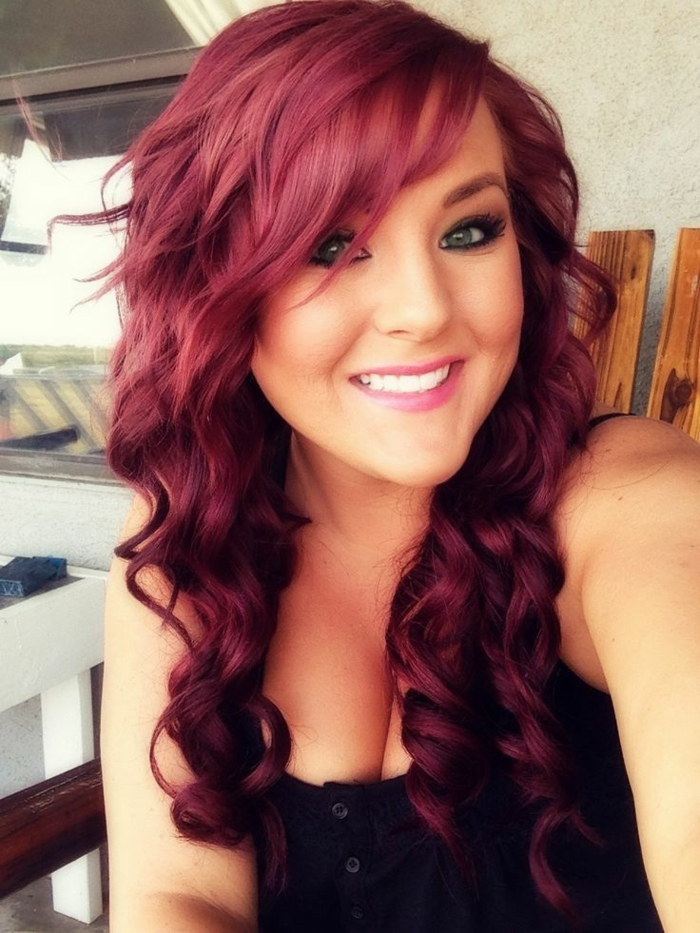 haarfarbe-rot-wunderschöne-süße-wellen