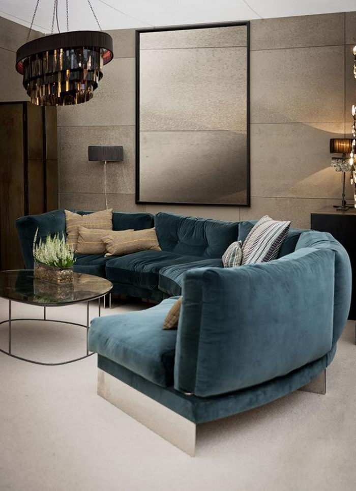 halbrundes-Sofa-xxl-couch-blau-Samt-elegantes-Wohnzimmer-Interieur