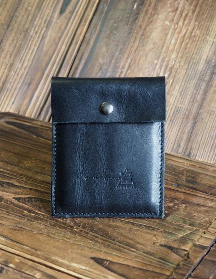 handgemachte-minimalistische-Leder-Geldbörse-Herren
