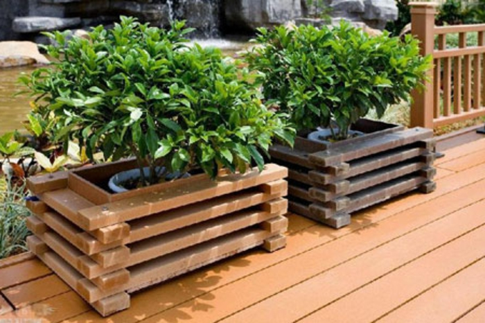 Pflanzk bel aus holz f r eine rustikale gestaltung for Grosse pflanzen fur innenraume