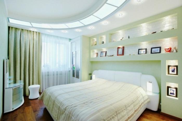 indirekte-beleuchtung-led-kleines-weißes-schlafzimmer