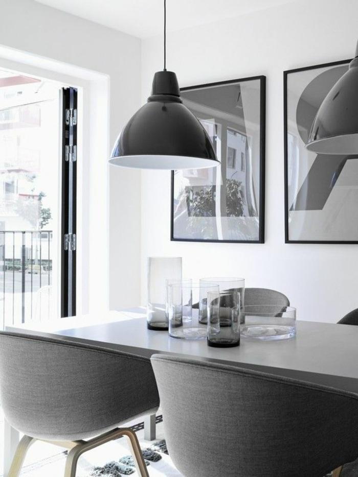 industrielles-Esszimmer-Interieur-minimalistische-Einrichtung-moderne-graue-Sessel