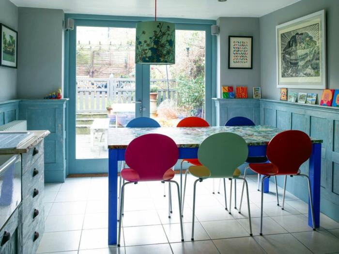 küchentisch-und-stühle-bunte-modelle-kleine-küche