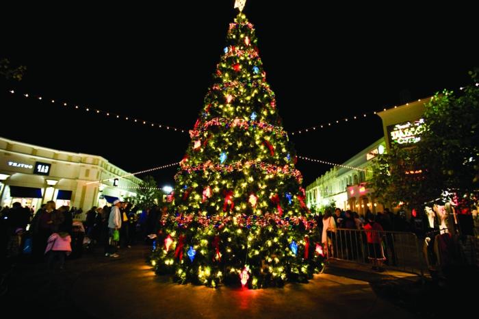 künstliche-weihnachtsbäume-für-außen