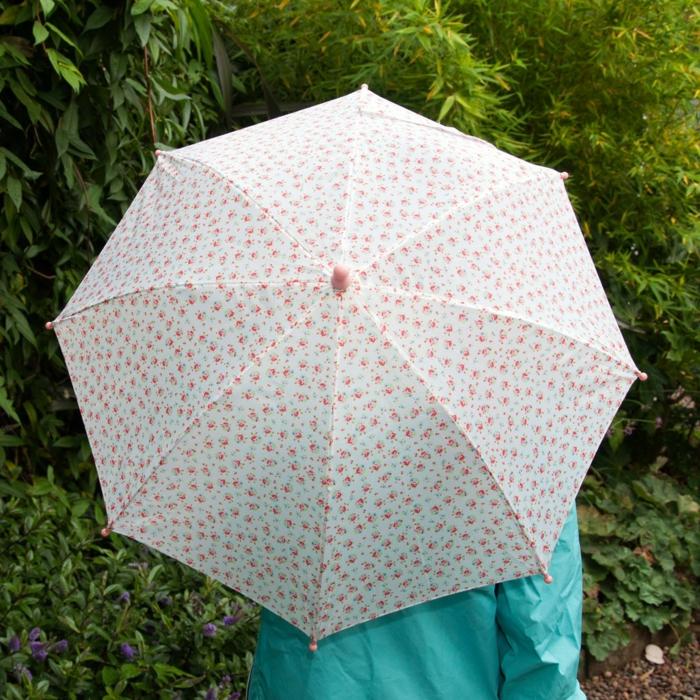 kinder-regenschirm-buntes-Modell-kleine-Rosen