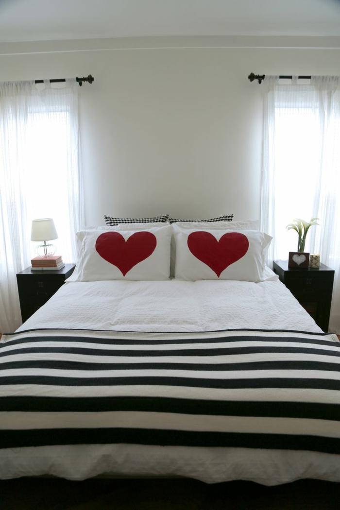 king-size-bett-romanitsche-kissenhüllen-mit-Herzen-Dekoration-für-Verliebte