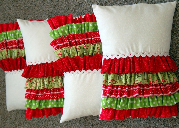 kissen-selbst-gestalten-weiß-und-rot-kombinieren