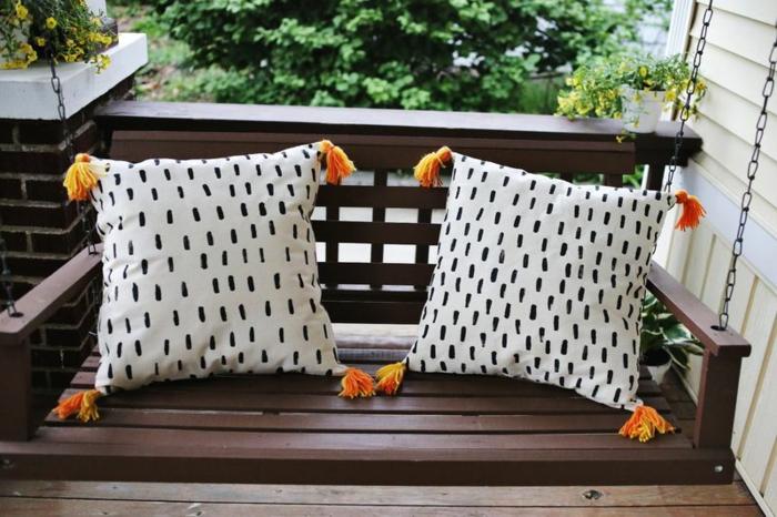 kissen-selbst-gestalten-zwei-wunderschöne-designs