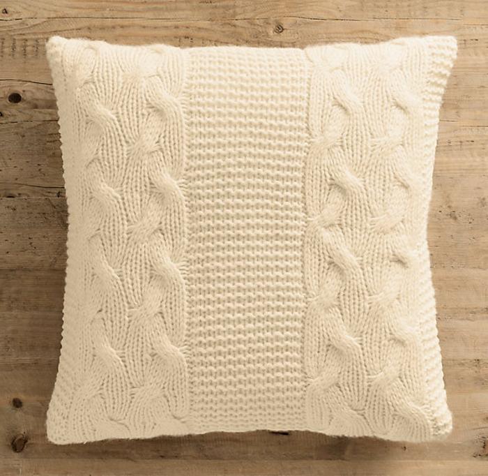 kissen-stricken-beige-farbe-unikale-ausstattung