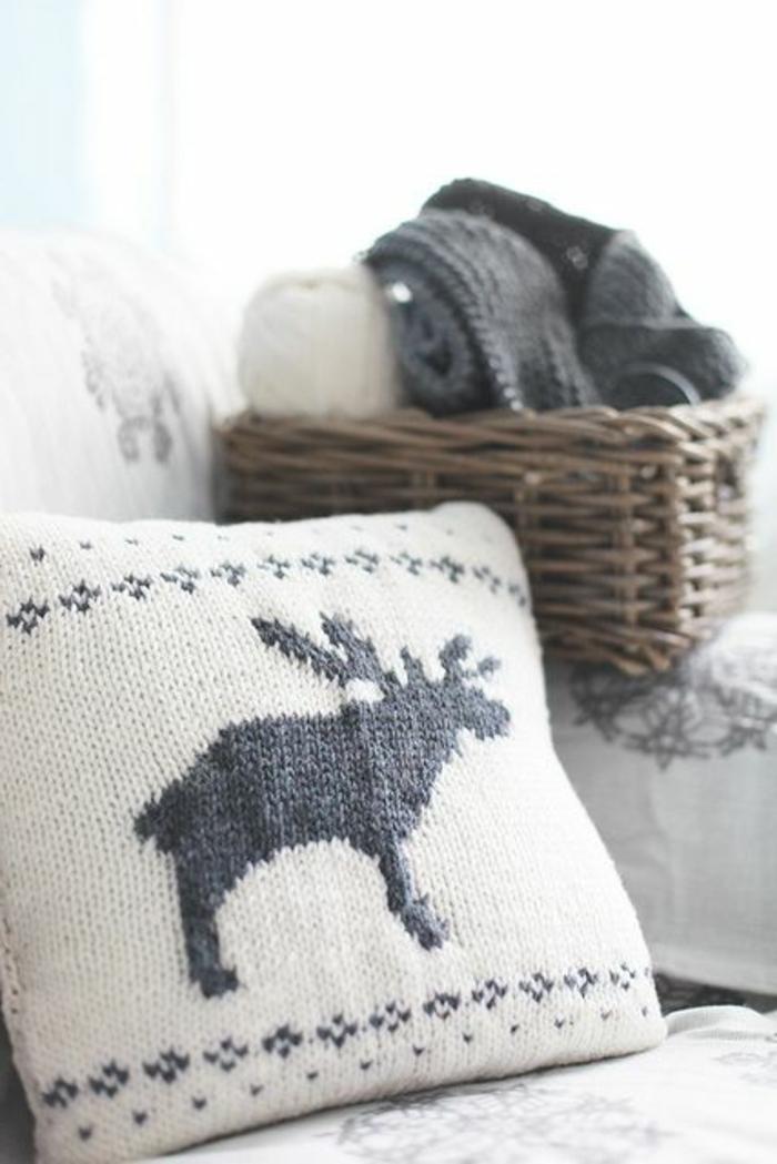 kissen-stricken-sehr-effektvolles-modell-für-den-winter
