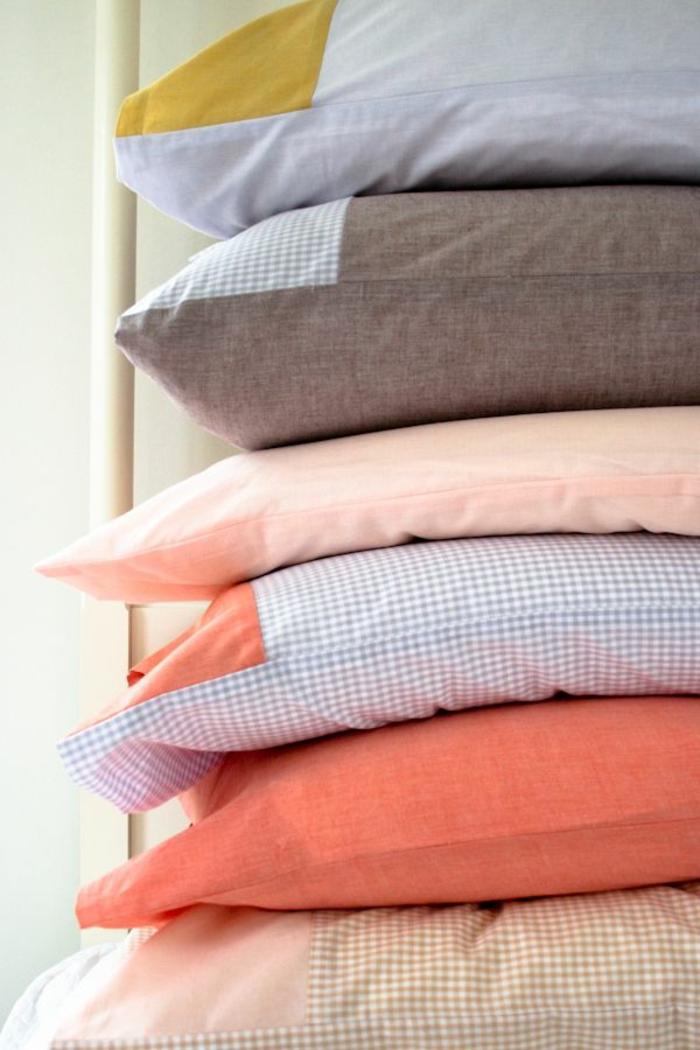 kissenhüllen-in-süßen-Pastellfarben-karierte-Muster