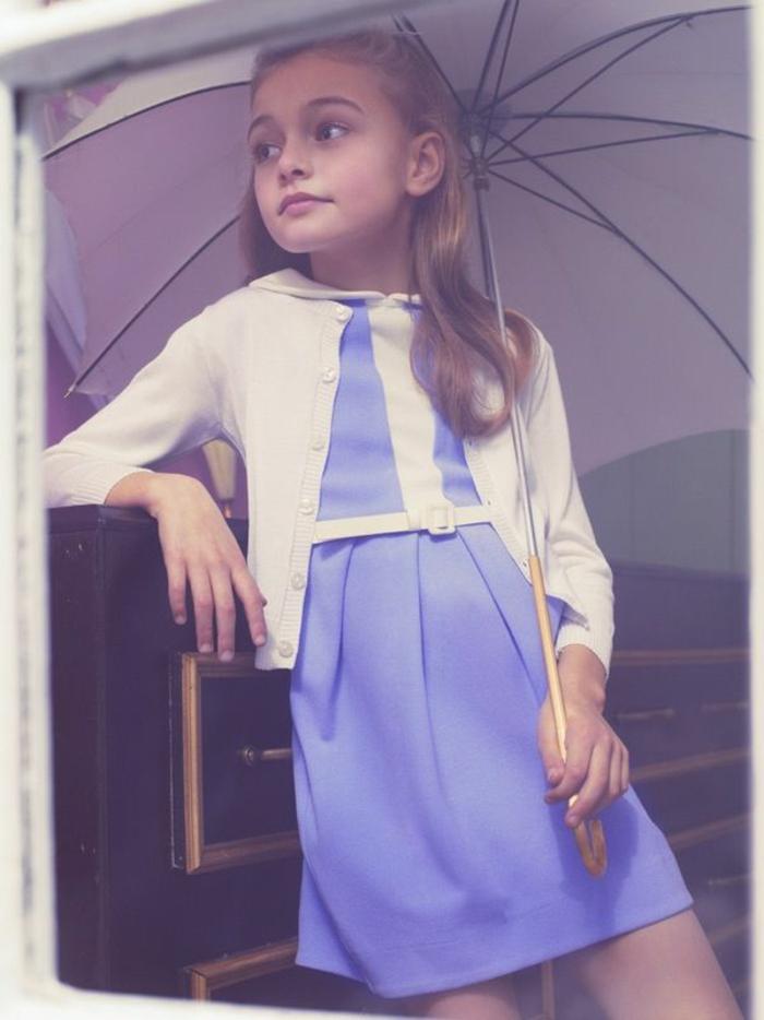 kleines-Mädchen-lila-Kleid-kinder-regenschirm